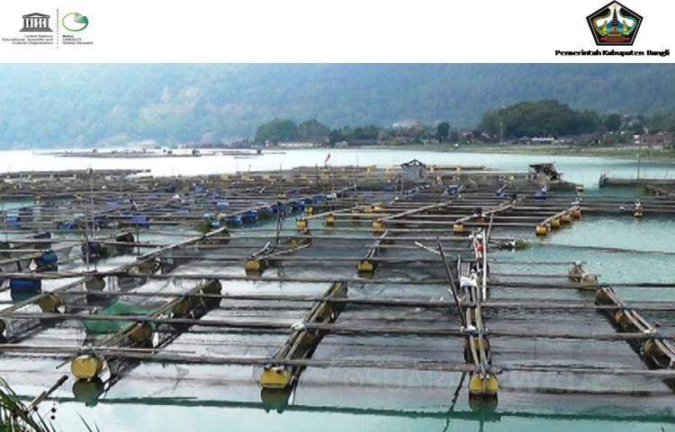 Pengaturan Pemanfaatan Keramba Jaring Apung  di Danau Batur Melalui Zonasi